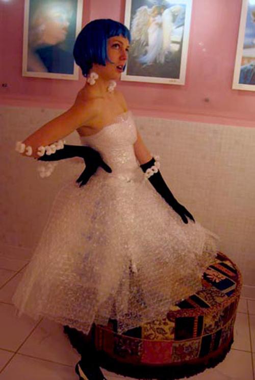 Платье из пленки