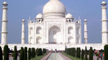 Man Loses His Life Taking A Selfie At The Taj Mahal